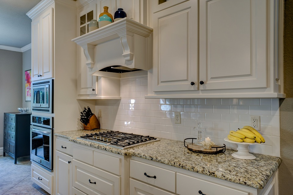 Top Organizing Tricks To Keep Your Kitchen Counter Clutter Free